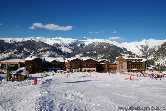 Courchevel 1650 village, front de neige