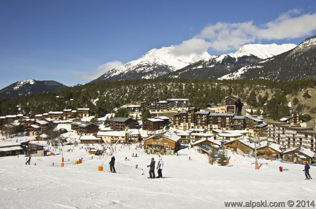 La Norma village and snowfront, La Norma