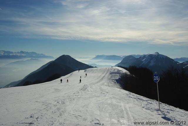 Le sommet du Mont Pelat, Les Aillons